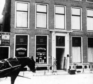 Apotheek in de Boterstraat, Schiedam, 1914.