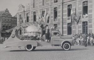 Coca-Cola promotie op de Grote Markt in Sint-Truiden.