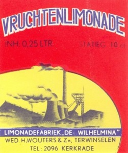 etiket vruchtenlimonade firma Wed. H. Wouters & Zn. circa 1955