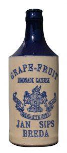 stoneware bottle Jan Sips (1)